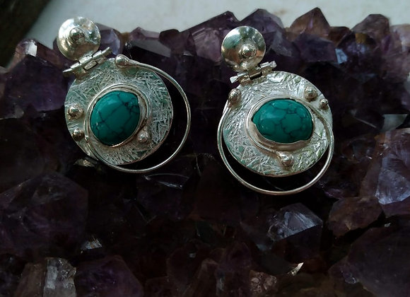 Silver earrings with Turquoise stone