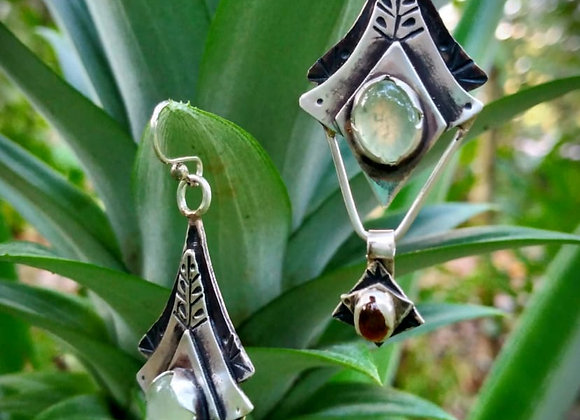 Silver earrings with Peridot stone and Opals