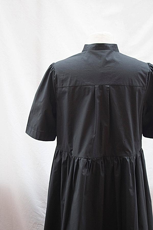 Dress_black_2.jpg