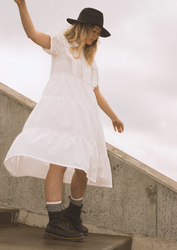 White dress_1.jpg