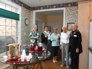 On Monday, February 22, Chapter AG hosted  its annual snowbird coffee at the home of Sheila Morgan.