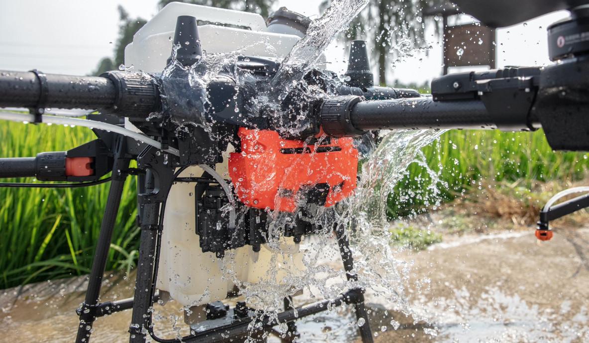 Spraying drone DJI Agras T20 IP water re