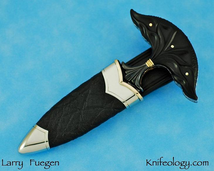 Larry Fuegen Ebony Push Dagger 7.jpg