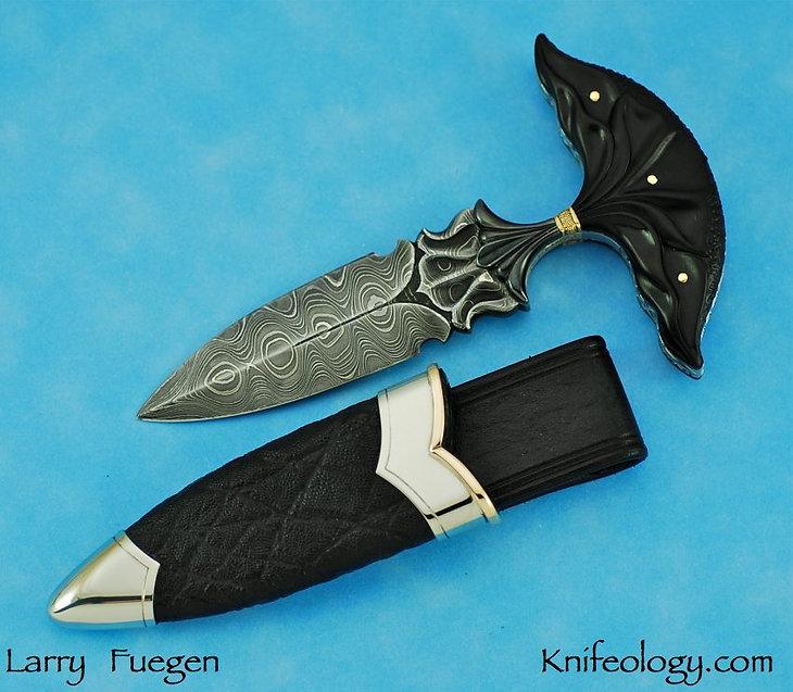 Larry Fuegen Ebony Push Dagger 3.jpg