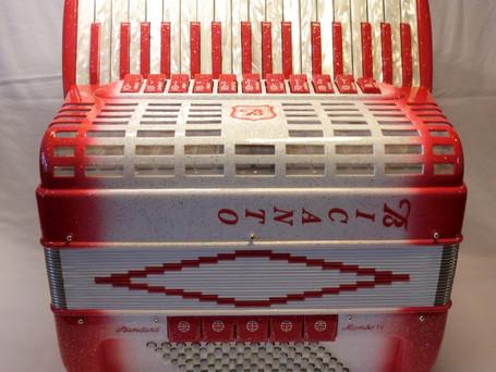 Mambo IV rot-weiss/spezial für 4950 Fr.