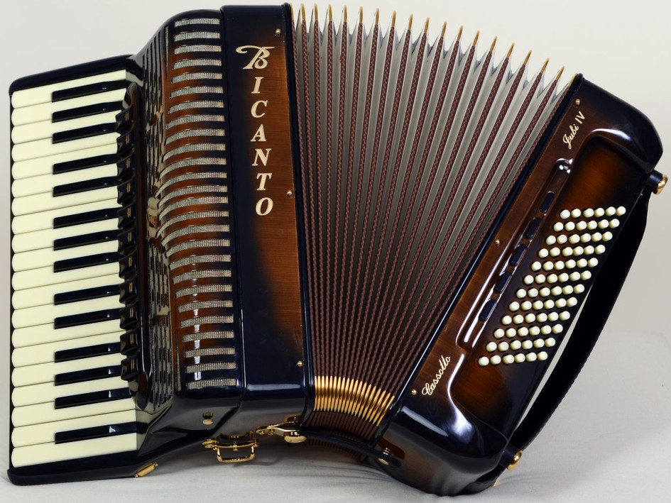 Jubi IV-Mocca-Cassotto für 6980.- _ kompakt und mobil für Folk und Jazz