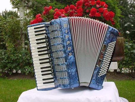 Samba IV Musette für 4900 Fr..