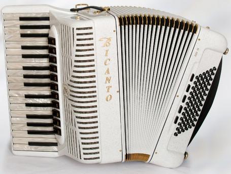 Jubi IV-Perla-Cassotto für 6980.- _ kompakt und mobil für Folk und Jazz