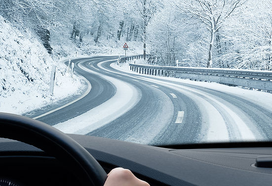 Warm Up Your Car When It's Cold Driving in Snow, starting your car in winter