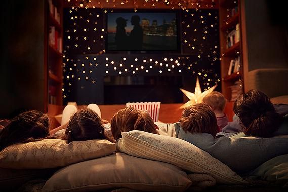 family movie night, road trip movies, movies about road trips,movies to stream, classic road trip movies