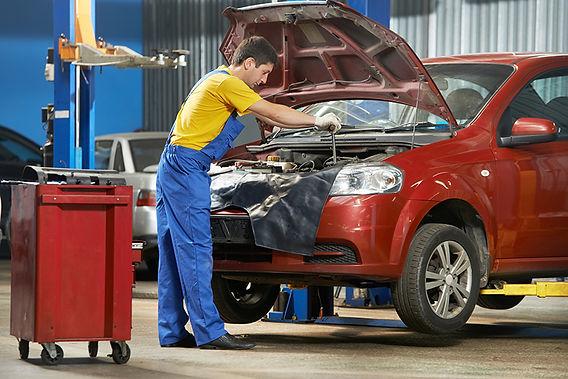 mechanic working, ar maintenance basics, DIY car maintenance, regular car maintenance, how to take care of my car, basic car care