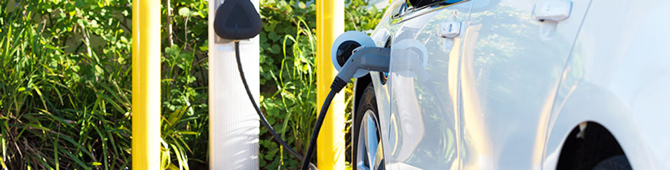 electric vehicle crashes and fires, electric vehicle accidents, dangers of electric vehicles, dangers of electric cars, electric car crashes