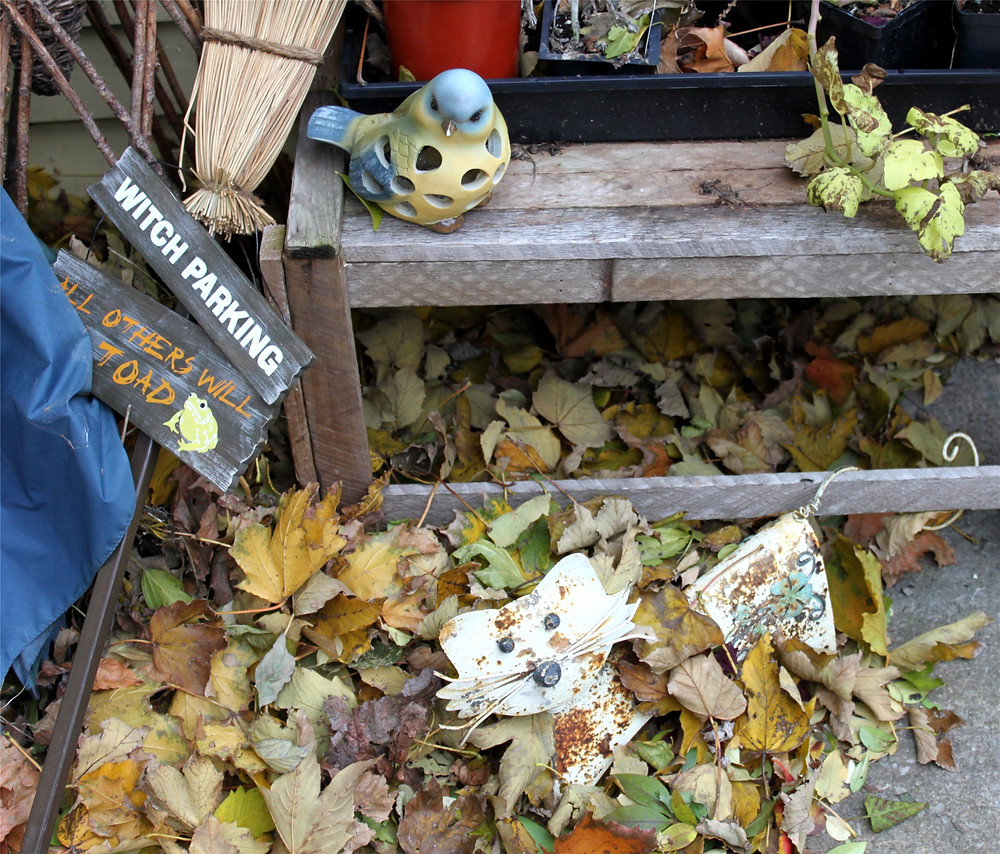 Autumn, putting the garden to bed . . . and other ghoulish thingies