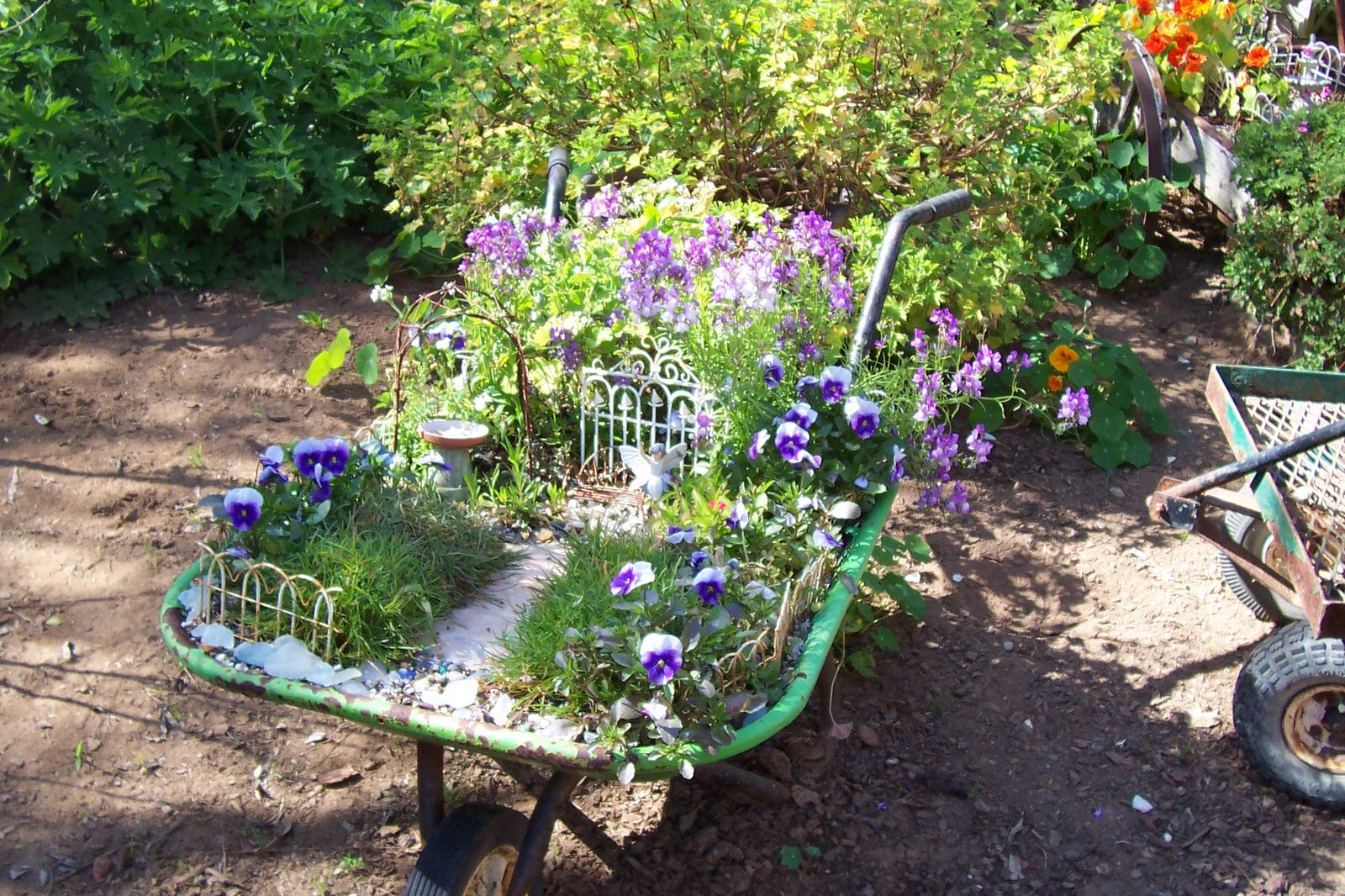 fairygarden_wheelbarrow