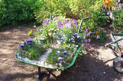 fairygarden_wheelbarrow