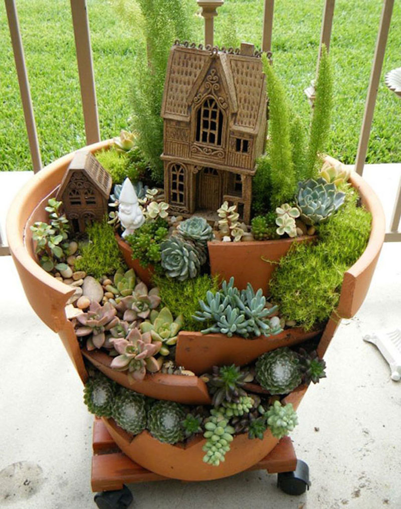 broken-pot-fairy-garden-6