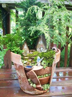 broken-pot-fairy-garden-7