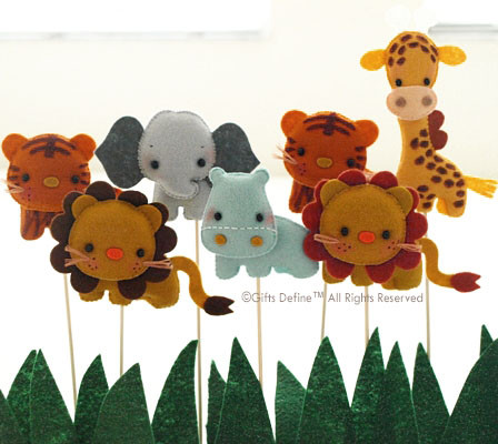 Safari Quest Party Favor Cake Topper