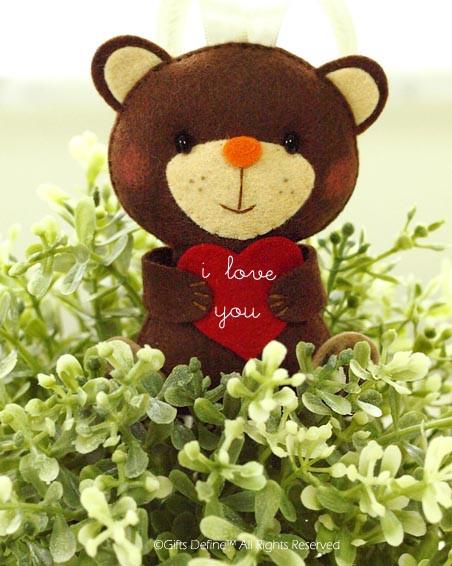 Happy Valentine Bear