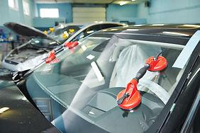 Automobile car windshield or windscreen