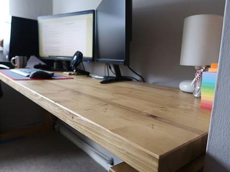 The Floating Top Desk