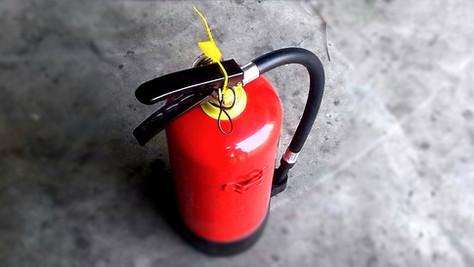 5年目の期限切れ消火器交換で、いくら節約したか。