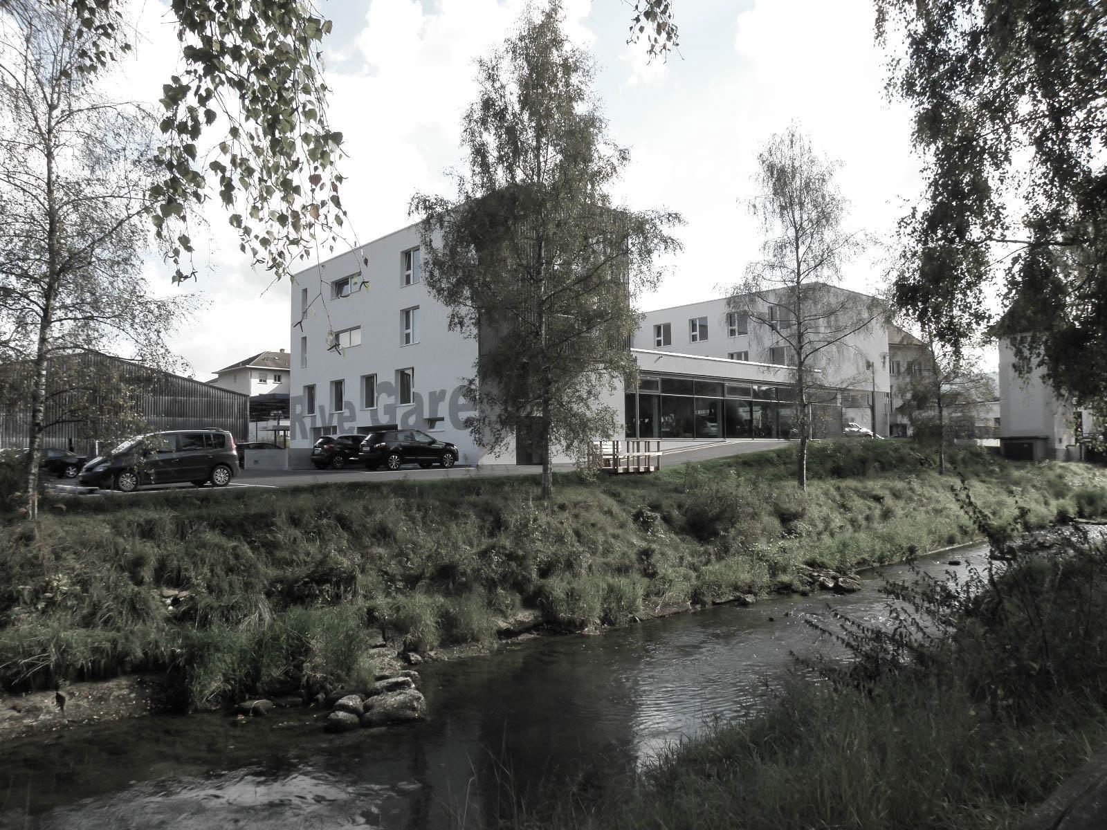 Rive-Gare ; Vue depuis la rivière
