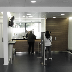 Photo du guichet d'accueil de la succursale du Crédit Suisse à Moutier