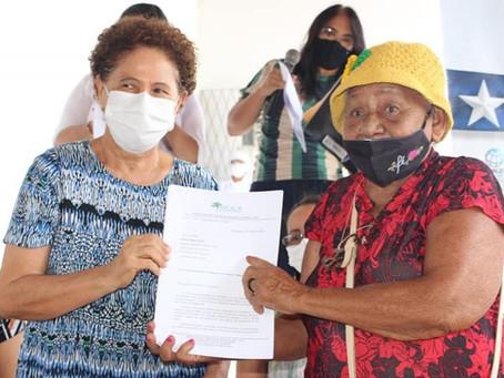 Quebradeiras de Coco do Piauí entregam minuta de Lei do Babaçu Livre ao Governo do Estado
