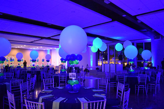 Giant Table Balloon Centerpieces for Bar and Bat Mitzvahs by Eye Candy Balloons