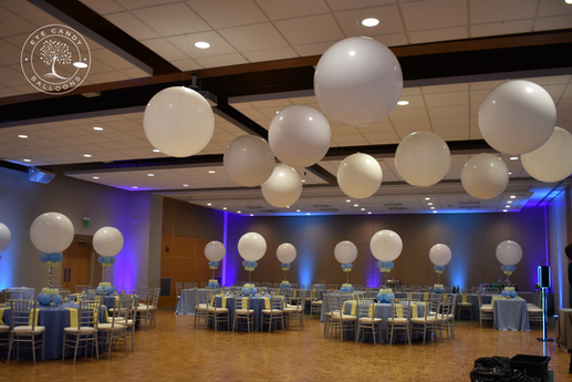 Mitzvah Balloon Centerpieces and Mitzvah Dance Floor Balloons by Eye Candy Balloons