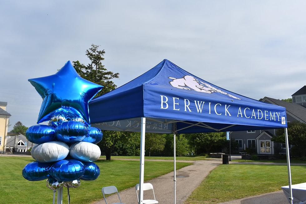Latex-Free Star Balloon Column at Berwick Academy Graduation by Eye Candy Balloons