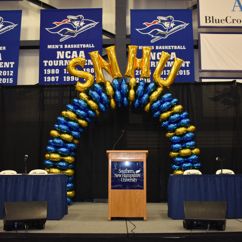 Latex-free balloon arch at SNHU - Eye Candy Balloons