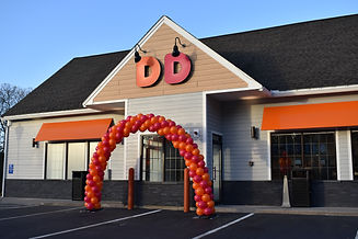 Dunkin Donuts Grand Opening Balloon Arch in New Hampshire by Eye Candy Balloons
