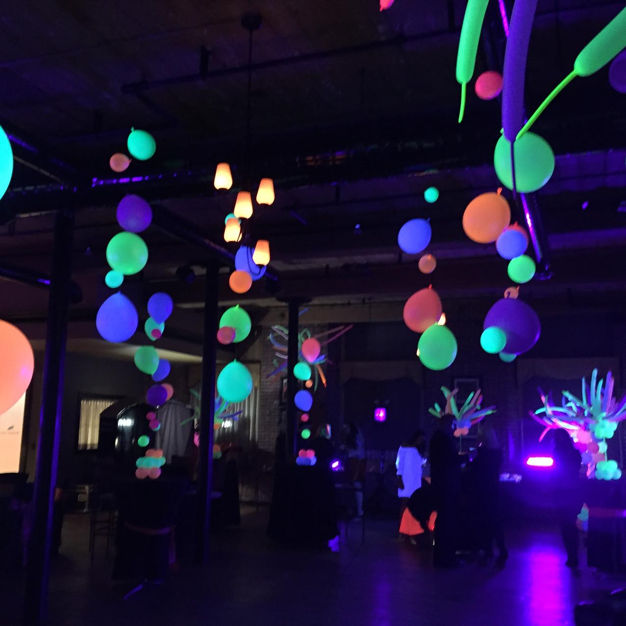 Blacklight Balloons, Neon Balloons