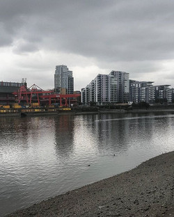 #london #uk #landscape #autumn #september #gray #cold #cloudy #river