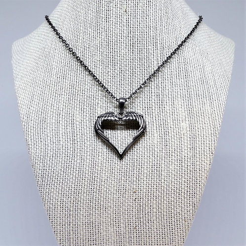 J287 Heart Wings Necklace
