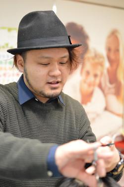 1000円カット求人 入社祝金10万円