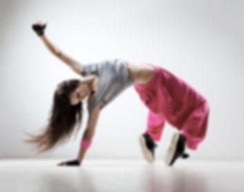 Danseuse qui fait un pas de danse
