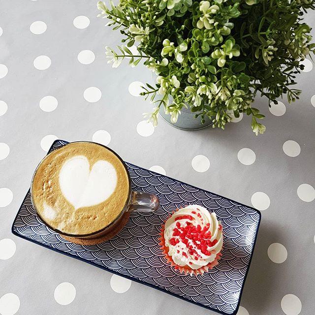 Morning essentials ☕🌼_._._._._._
