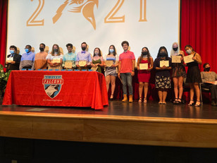 A.C. Flora – 17 Students Earn the S.C. Seal of Biliteracy
