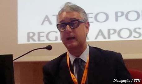 Sergio_Barroso_de_Mello_em_seu_último_discurso_a_frente_da_presidência_do_CILA._