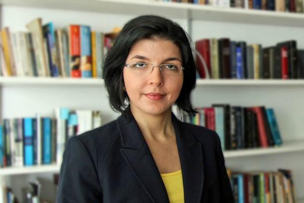 Ana Paula de Barcellos