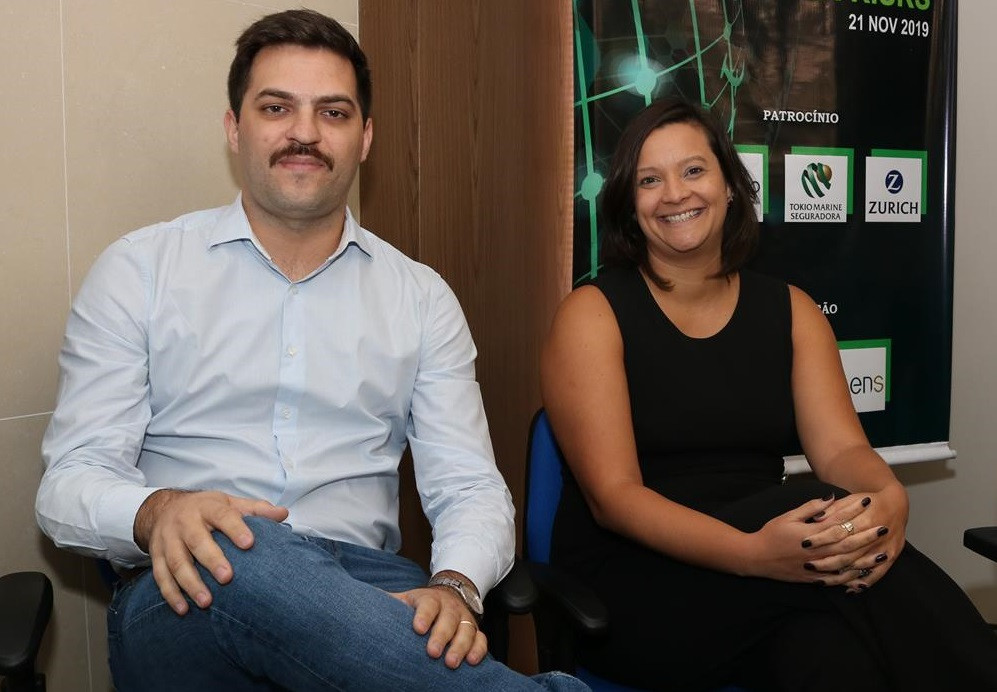 Victor Perego e Hellen Fernandes