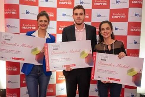 Legenda: (da esquerda para direita) Caroline Luiz Pimenta da ManejeBem, Julio Dantas da Neurobots e Carolina Padilha do Carona a Pé