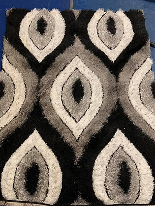 Teardrop rug