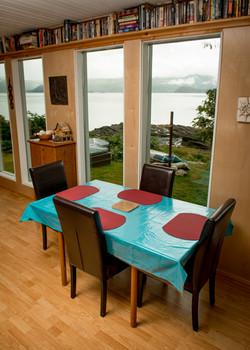 Lori's Ocean Lounge