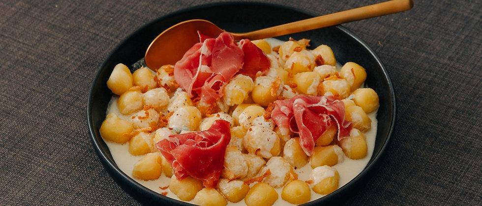 Gnocchis gorgonzola jambon cru
