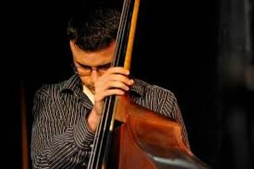 Berklee graduate Evan Gregor reviews Roy Vogt's Teach Me Bass Guitar online bass guitar lessons