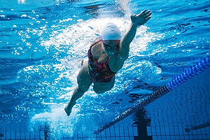 freestyle-stroke-swimming-on-the-sides.j
